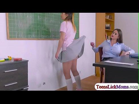 Cathy Heaven licks teen Aninas wet pussy