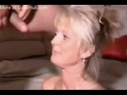 Blond drink piss