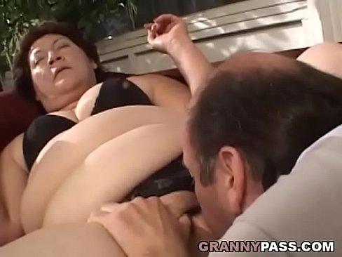 BBW Granny Gets Her Fat Pussy Stuffed