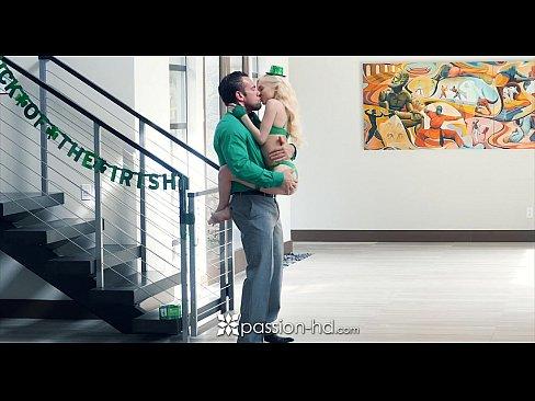 Passion-HD – Petite Blonde Piper Perri Fucks On St-Patrick's Day Camsex99