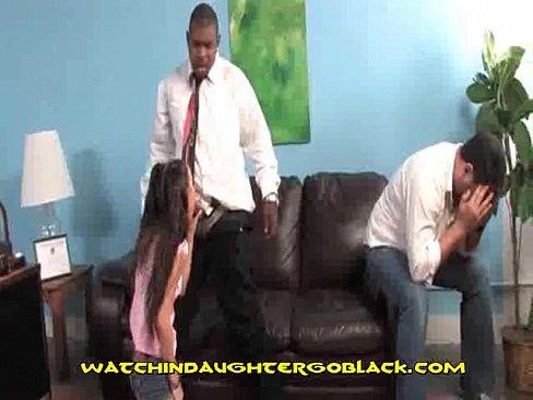 ogromny czarny kogut pieprzy nastolatka szalony masaż porno