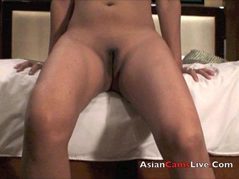 Asian Cam Model Finger Fucks Her Pussy In Filpina