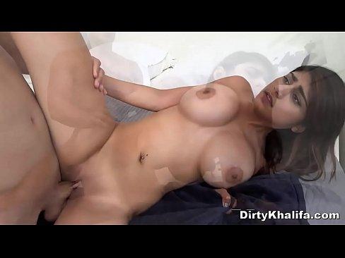 Dirty Arab Sexbomb Screwed By Well Hung Beefcake