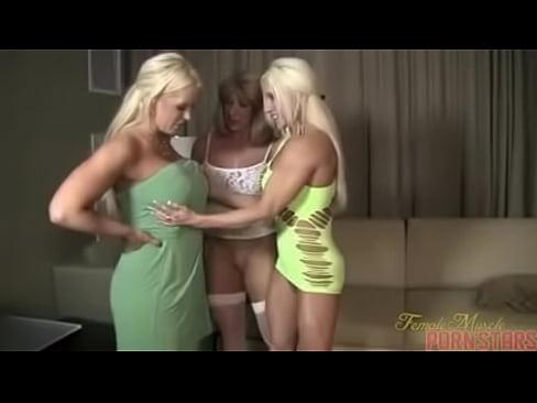 Muscle lesbian clit