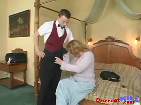 Blonde MILF gets jizzed all over the bodyXXX Sex Videos 3gp