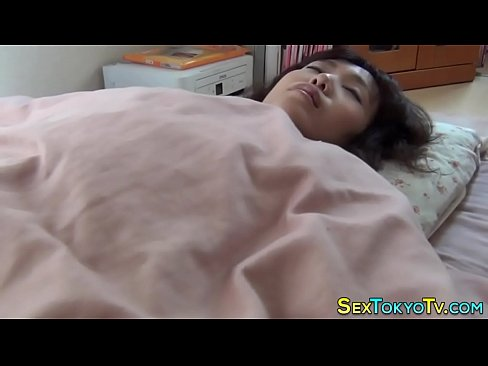 XVIDEO 寝ている娘に夜這いし悪戯