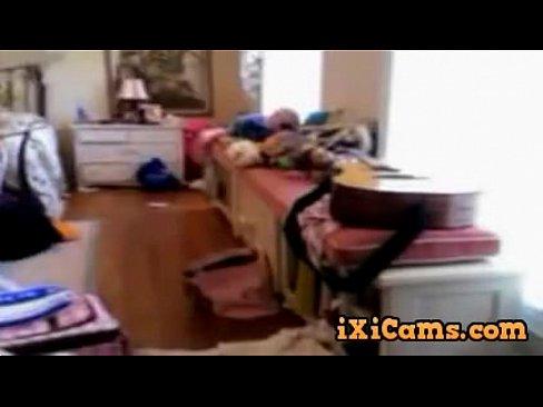 Teen 18 Yer show her body !