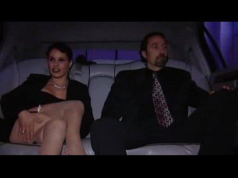 Секс в лимузине онлайн — photo 14