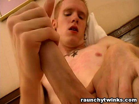 Amateur girl dildo ass