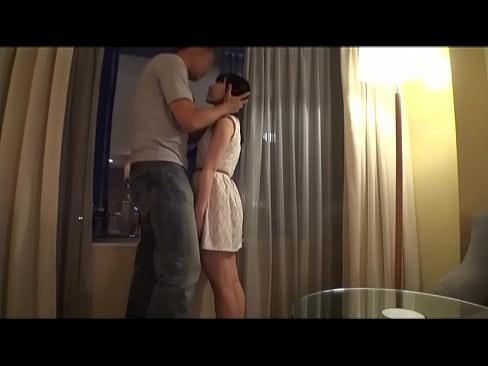 XVIDEO 背が低いお姉さんとホテルでハメ撮りセックス