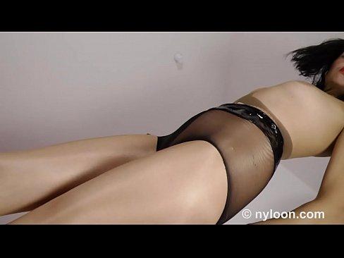 Singapore model go nude