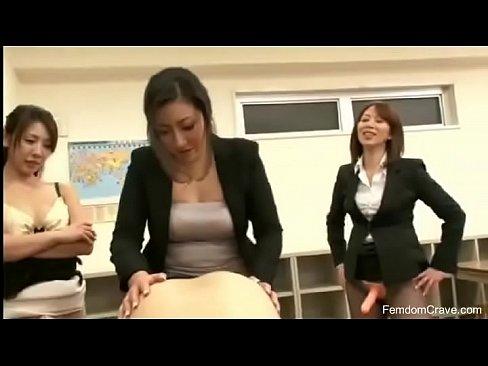 XVIDEO Three teachers fucking japanese guy(女教師たちが生徒をペニバン逆セックス)