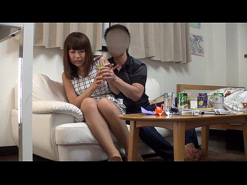 <人妻動画>お酒の勢いで...