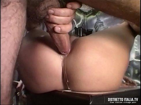 Il sesso anale, Ass. Ragazze con bare ass posa sexy e mostrare la loro abilità sessuali.