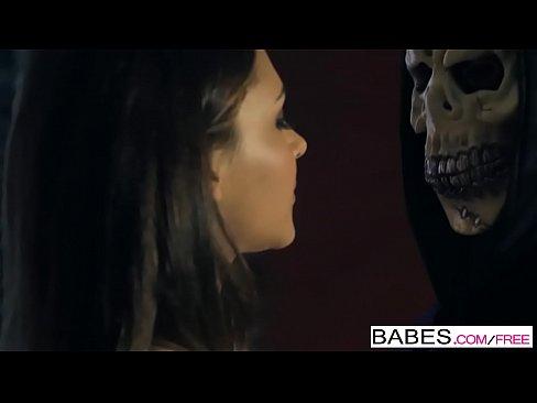 Clipuri Cu Blonde Ce Se Dezbraca In Pizda Goala Porno Brunete Curve