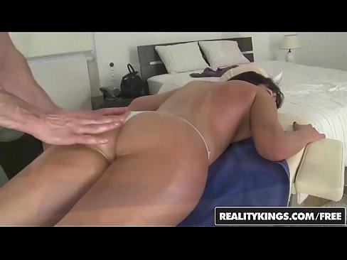 Anca Este Pusa Pe Spate Si Fututa Rau Pana Are Orgasm