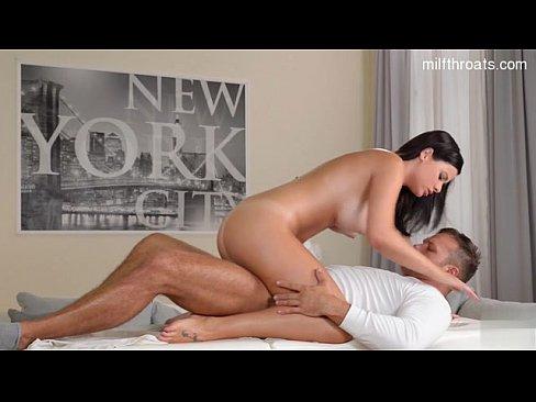 Оргазм впервые смотреть