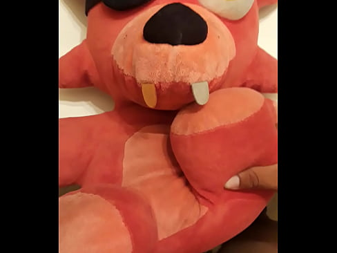 fucking foxy fnaf plushie - XVIDEOS.COM